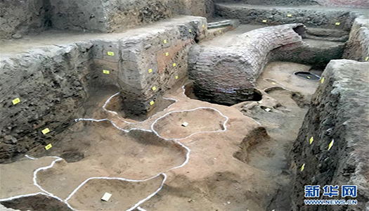 Китайские археологи изучают руины монетного двора