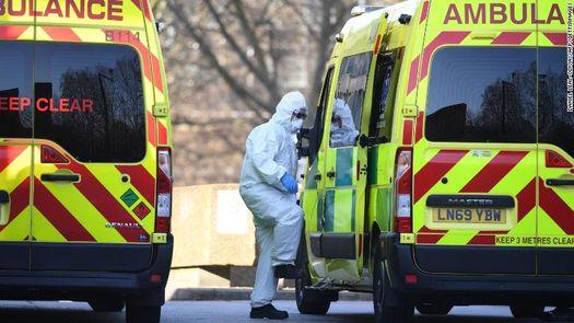 У Британії розповіли, чому на Заході не дозволять російську вакцину