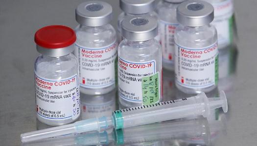 Експерти назвали найкращу вакцину від COVID-19